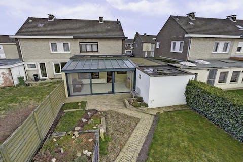 Huis met 3 slaapkamers te koop in het centrum van Brecht!