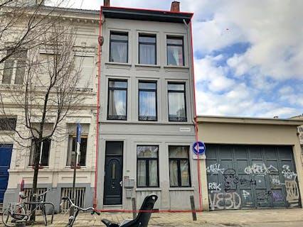 Huis thans ingedeeld in studio's te koop in Antwerpen