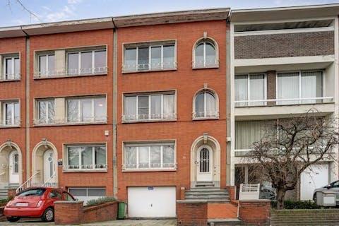 Gerenoveerd tweeslaapkamers appartement In Borgerhout