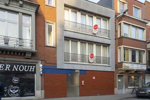 Ruime woning met groot terras (100 m²) in centrum Kortrijk