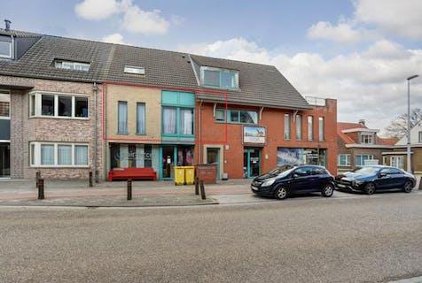 Instapklaar appartement (ca 95m²) met lift, 2 slaapkamers, terras en garage - centraal gelegen te Kalmthout!