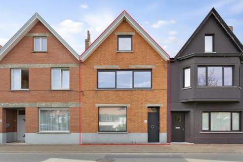 Prachtig gerenoveerde ruime stadswoning met garage in hartje Oud-Knokke
