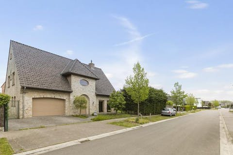 Vrijstaand huis te koop met 4 slaapkamers te Koolkerke
