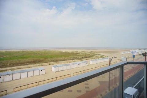 Doorloopappartement op de zeedijk van Knokke-Heist