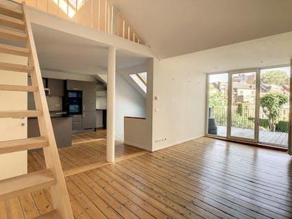 Nice Duplex with 2 bedrooms + office + terrace