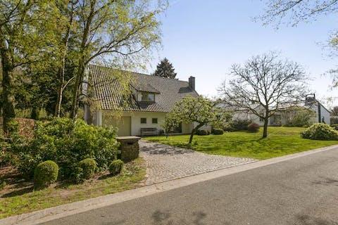 Ruime villa op 1000 m² in een groene omgeving te Heusden
