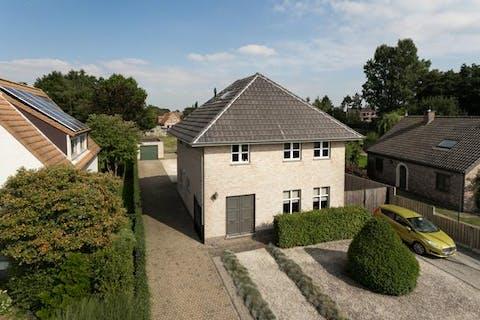 Instapklare vrijstaande woning met 3 slaapkamers, op een prachtig perceel van ca. 1.269m² te Kalmthout-Nieuwmoer!