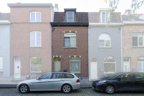 Toffe gezinswoning met 4 slaapkamers nabij centrum Kortrijk