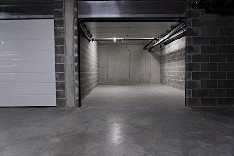 Nieuwbouw garagebox in de Stationsstraat te Oostrozebeke te koop!