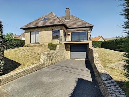 Huis met 4 slaapkamers te koop in Avelgem