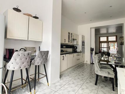 Recently renovated 3-bedroom apartment