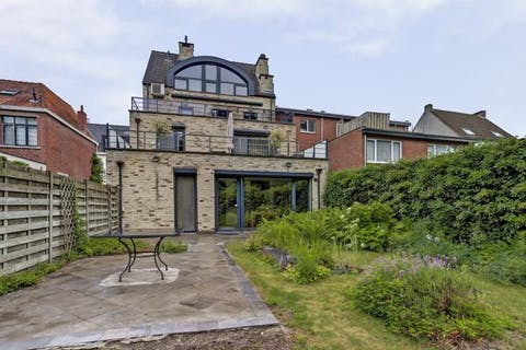 Gelijkvloers appartement met 1 slaapkamer en een grote tuin, gelegen in het centrum van Heide-Kalmthout.