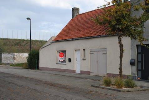 Te renoveren huis op landelijke ligging te Dudzele