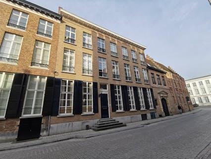 Studentenkamer te koop met eigen keuken en sanitair in centrum Brugge