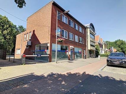 Gezellig duplex-appartement met 2 slaapkamers en terras in het centrum van Heide-Kalmthout!
