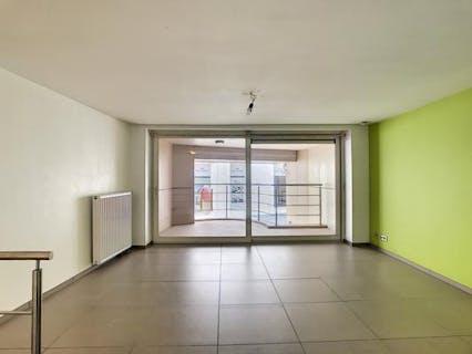 Duplexappartement midden in de stad te huur in Kortrijk