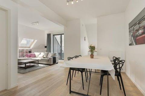 Magnifique penthouse meublé 2 chambres à Evere