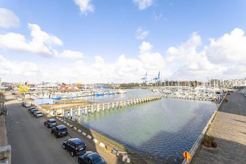 Instapklaar en knap appartement met terras in Zeebrugge