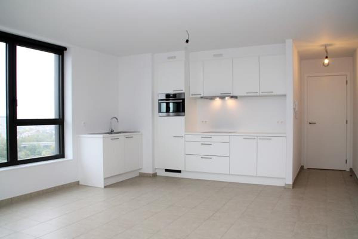 new constructed apartment with 1 bedroom on 13th floor