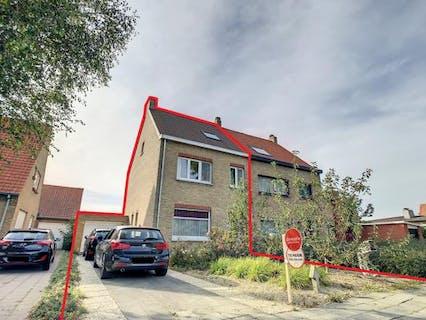 Recent gerenoveerde woning met 3 slaapkamers te huur in Veurne