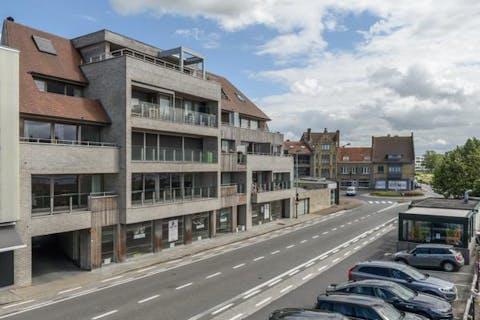 Recent appartement met 3 slaapkamers inclusief garage te koop in Veurne