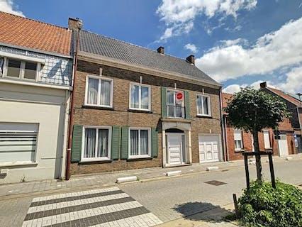 Karaktervol huis te koop in het centrum van Lichtervelde