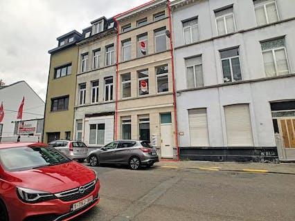 Huis thans ingedeeld in appartementen te koop in Antwerpen