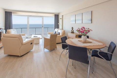 Ruim, modern appartement met frontaal zeezicht te Middelkerke
