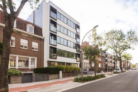 Appartement met 2 slaapkamers en autostaanplaats te koop centrum Kortrijk
