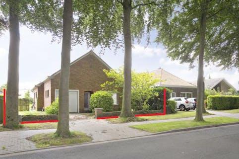 Te renoveren bungalow te koop, prachtig gelegen te Sint-Andries nabij Brugge.