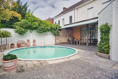 Herenwoning in centrum Roeselare te koop!