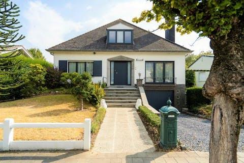 Instapklare woning te koop met 4 slaapkamers in Harelbeke