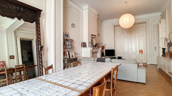 Central Brussels - Beautiful apartment of 100m² with 1 bedroom+terrace.