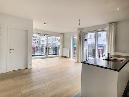Lichtrijk & kwalitatief afgewerkt appartement met zicht over het Schouwburgplein te huur in Kortrijk