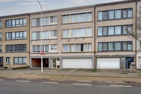 Appartement in Merksem met private parking en tuin