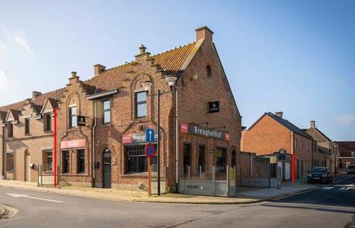 Te renoveren polyvalent handelshuis te koop in Geluveld