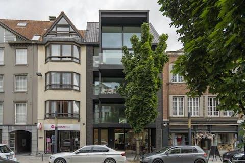 Magnifiek appartement (140m²) in kleinschalige residentie te Kortrijk