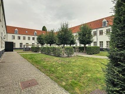 Ruime, gezellige studentenkamer (32m²)  te koop in Centrum Brugge