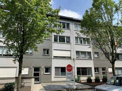 Gerenoveerd gelijkvloers appartement te koop in Merksem