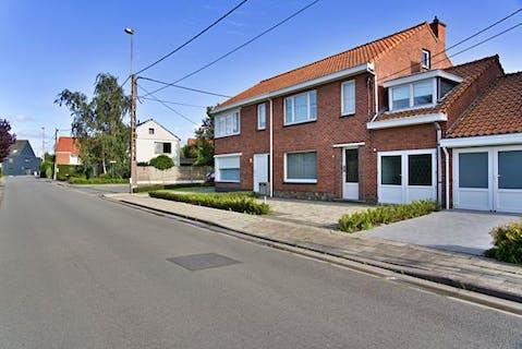 Huis met 5 slaapkamers nabij centrum Roeselare