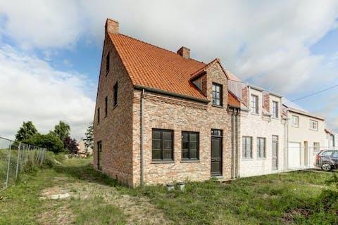 - VERKOCHT - Ruime casco nieuwbouwwoning met 4 slaapkamers in Merelbeke