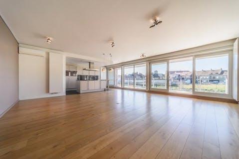 Luxueus appartement (145 m²) met 2 slaapkamers te koop in Veurne