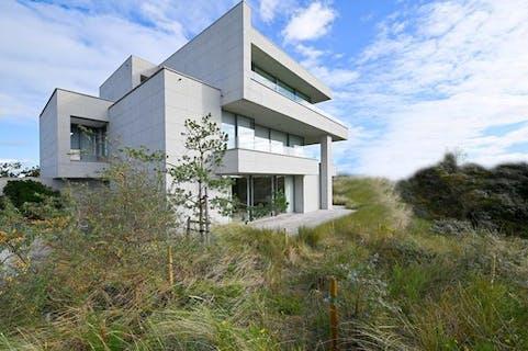 Villa-Appartement (181m²) te Sint-André, omgeven van de duinen en vlakbij zee!