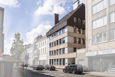 Ruim 2-slaapkamerappartement met mooi terras in centrum Kortrijk!