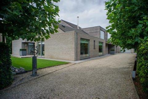 Luxueus huis te Sijsele, vlakbij Damme.