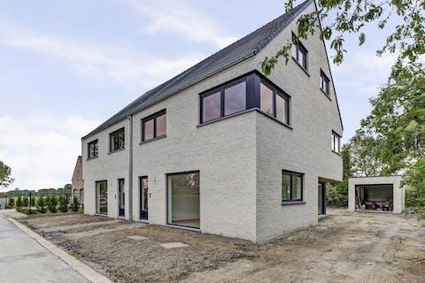 Stijlvol nieuwbouw huis met 3 tot 5 ruime slaapkamers te Melsele